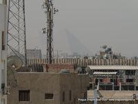 Pohled z okna hotelu - tzv. Pyramid view
